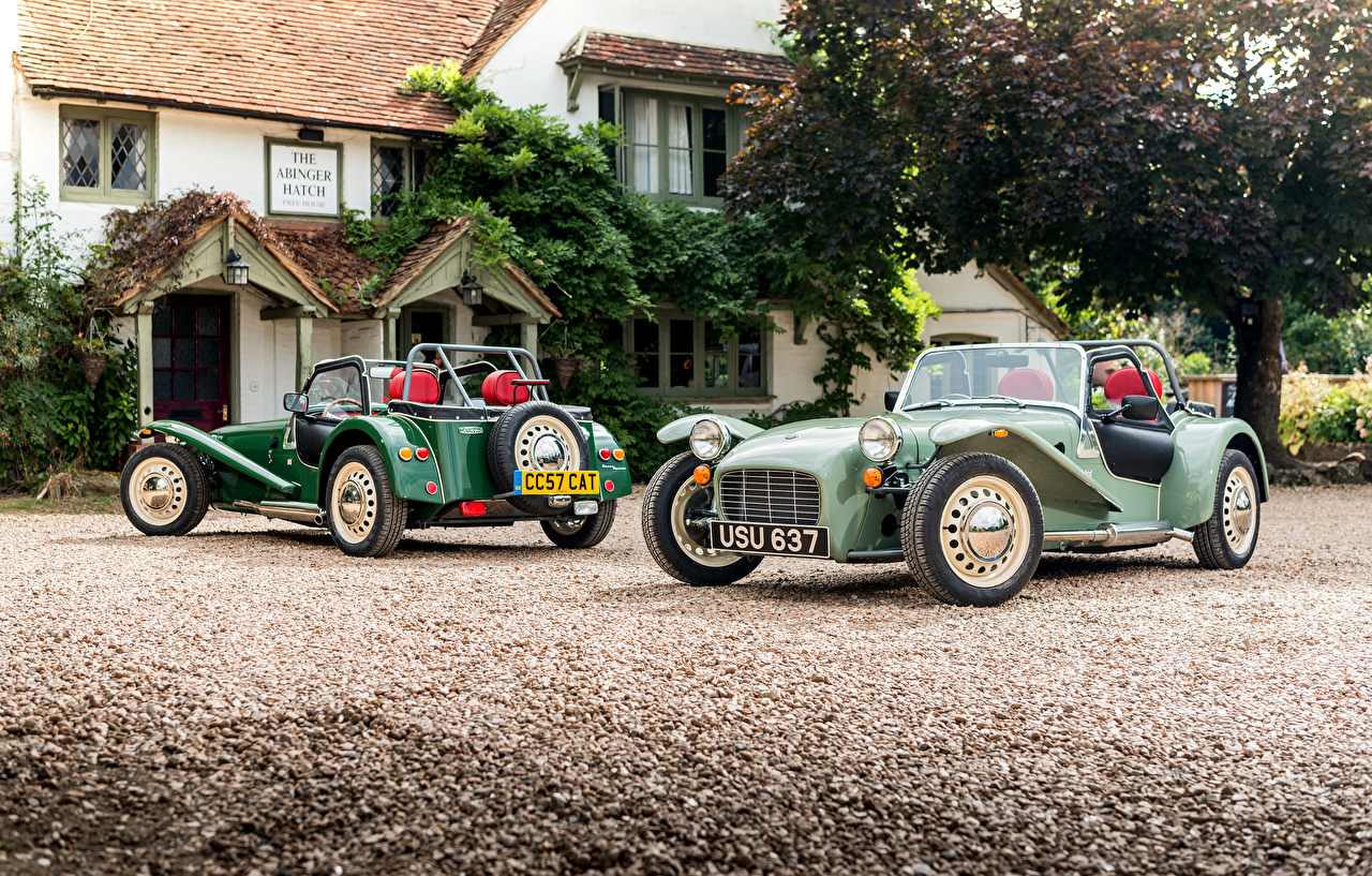 Обои Caterham 7 2016-17 Sprint Двое Авто Металлик 2 вдвоем Машины Автомобили