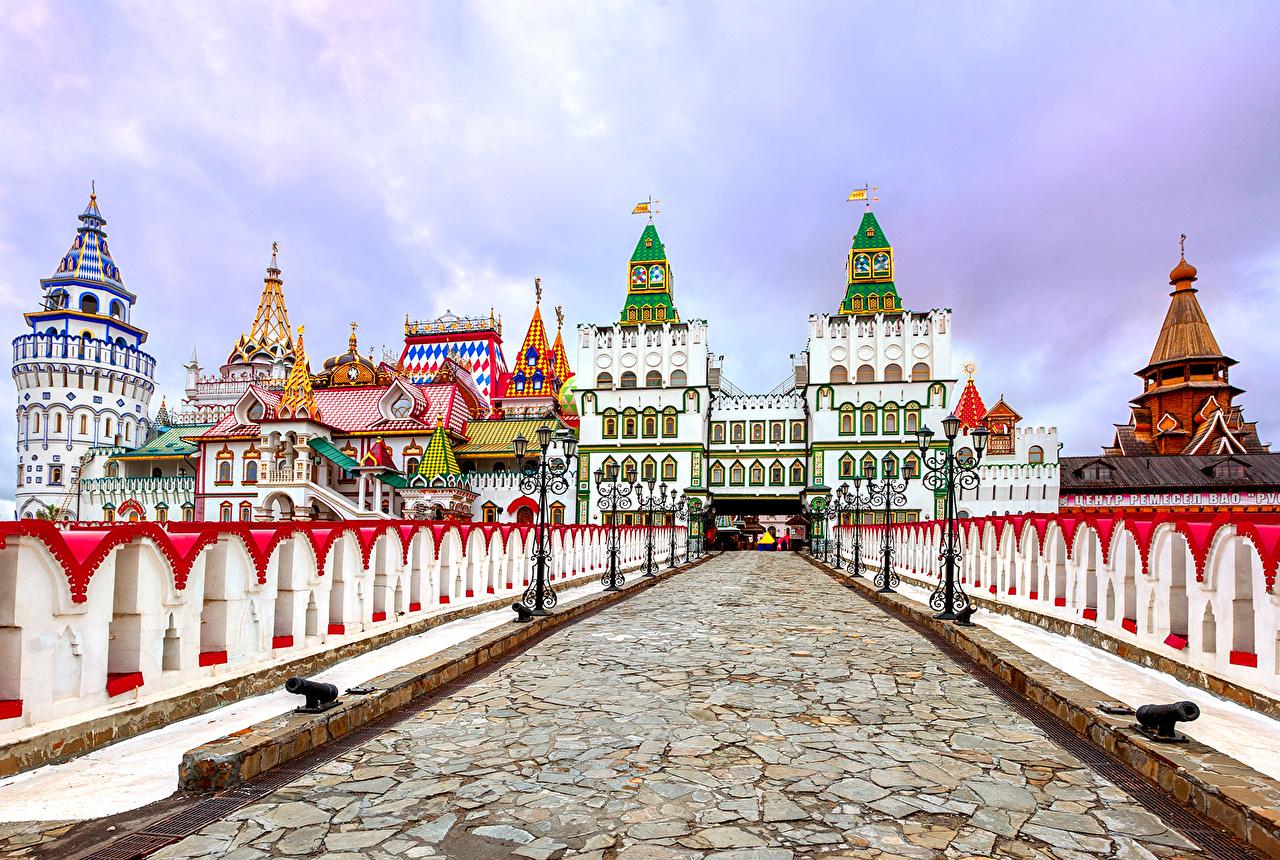 Обои для рабочего стола Москва Россия Кремль в Измайлово (Русское подворье) мост Храмы город Мосты храм Города