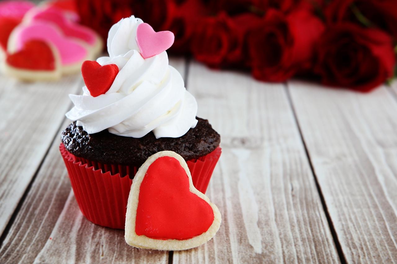 Картинка День святого Валентина Сердце Капкейк кекс Пища День всех влюблённых сердечко Еда Продукты питания