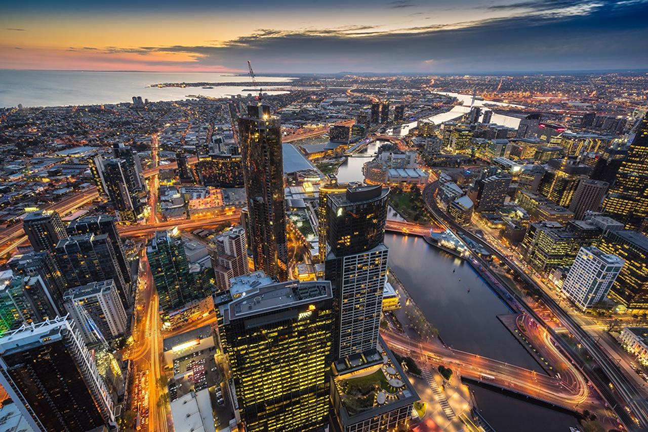 Картинки Мельбурн Австралия Eureka Tower Вечер Сверху Небоскребы Города Здания Дома город