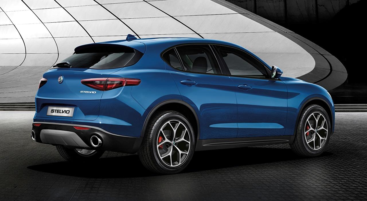 Картинка Альфа ромео CUV Stelvio, Sport, 2018 синих Автомобили Alfa Romeo Кроссовер синяя синие Синий авто машины машина автомобиль