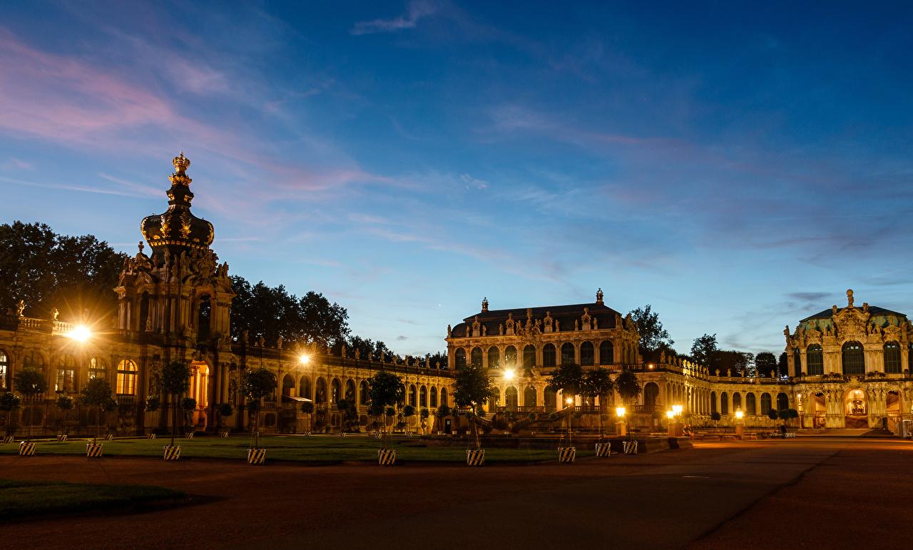 Картинки Дрезден Дворец Германия Zwinger Вечер Ночные Уличные фонари Города Здания Дизайн дворца Ночь ночью в ночи Дома город дизайна