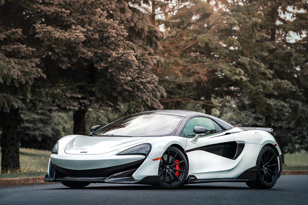 Обои для рабочего стола McLaren 2020 600LT Spider белые Автомобили Макларен белая Белый белых авто машины машина автомобиль