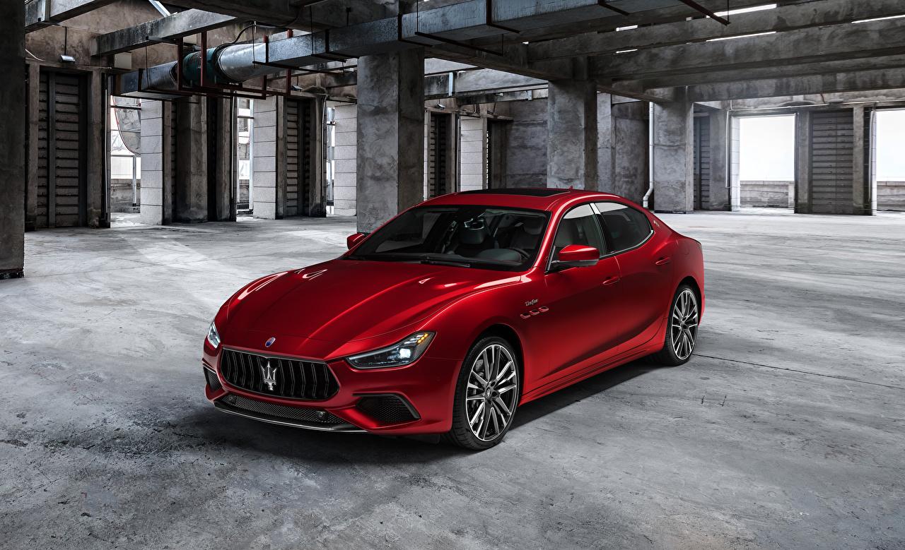Фотография Maserati Ghibli Trofeo, M157, 2020 Красный машина Металлик Мазерати красная красные красных авто машины Автомобили автомобиль
