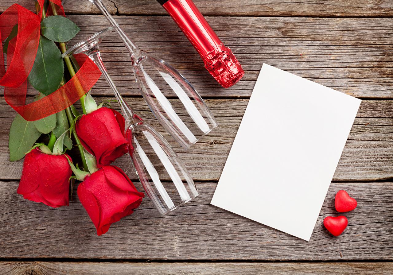 Картинка День святого Валентина Сердце Лист бумаги Розы Красный Цветы Бокалы Шаблон поздравительной открытки Доски День всех влюблённых сердечко