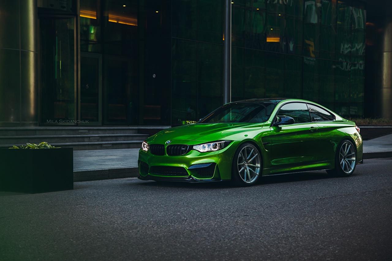 Фото BMW m4 зеленые Автомобили БМВ зеленых Зеленый зеленая авто машина машины автомобиль
