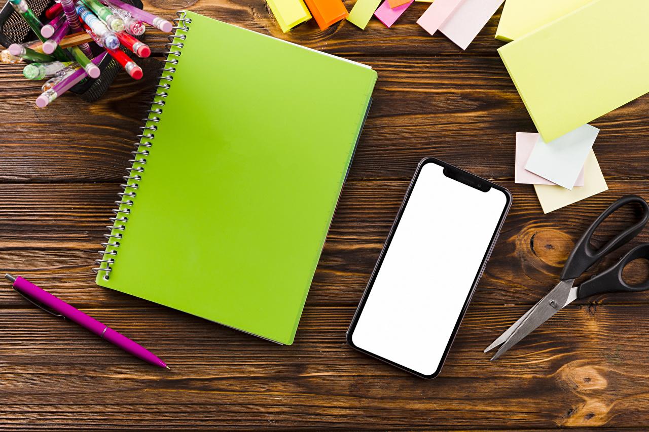 Обои для рабочего стола Школа Лист бумаги Шариковая ручка Смартфон Тетрадь Доски школьные смартфоны сматфоном