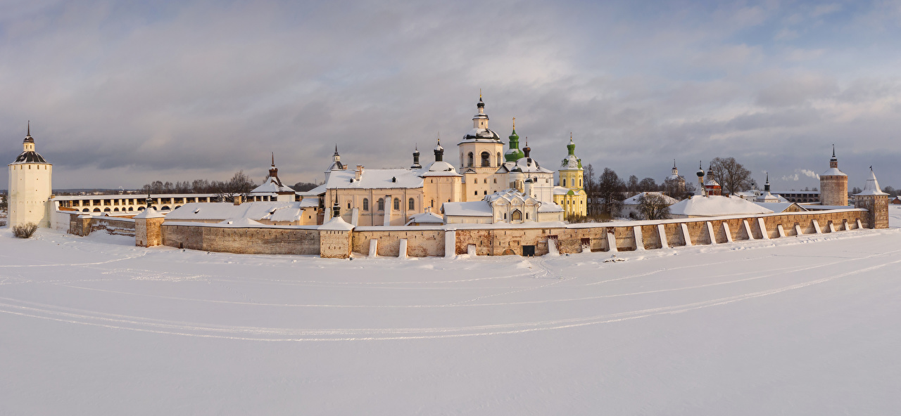 Картинки Церковь Монастырь Россия Kirillo-Belozersky Monastery (Kirillov) зимние Снег забора Храмы город Зима снега снегу снеге Забор ограда забором храм Города