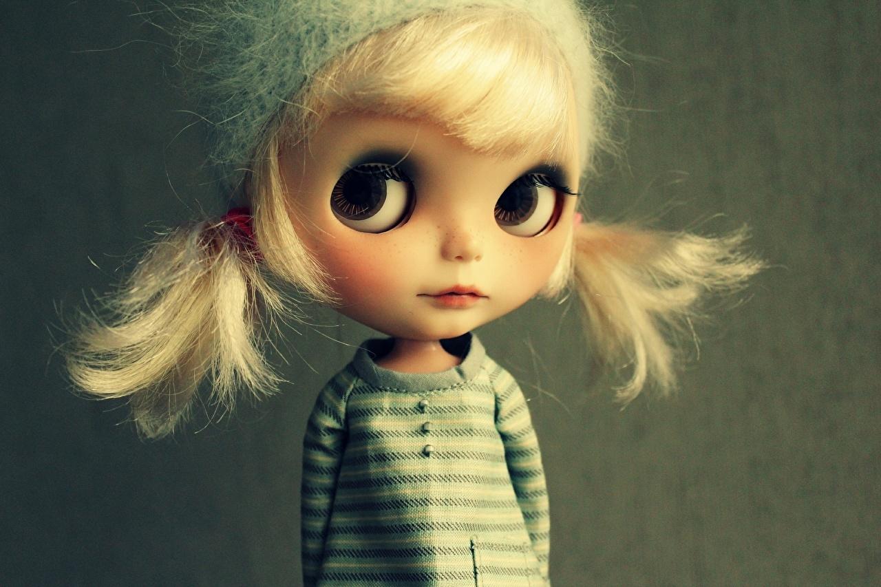 Фотографии куклы Лицо Взгляд игрушка Кукла лица Игрушки смотрит смотрят