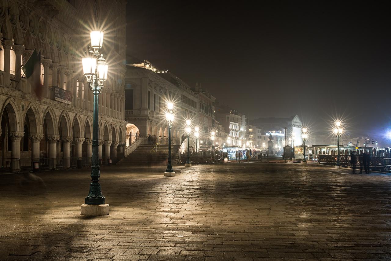Картинка Венеция Италия улице Ночь Уличные фонари город улиц Улица ночью в ночи Ночные Города