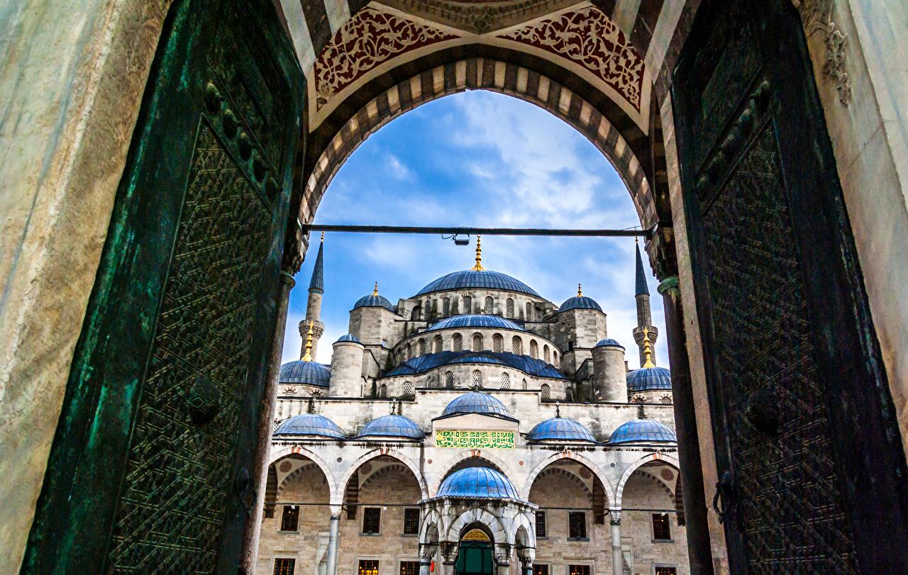 Фото Стамбул Голубая мечеть Мечеть Турция Ворота Храмы Города Султанахмет