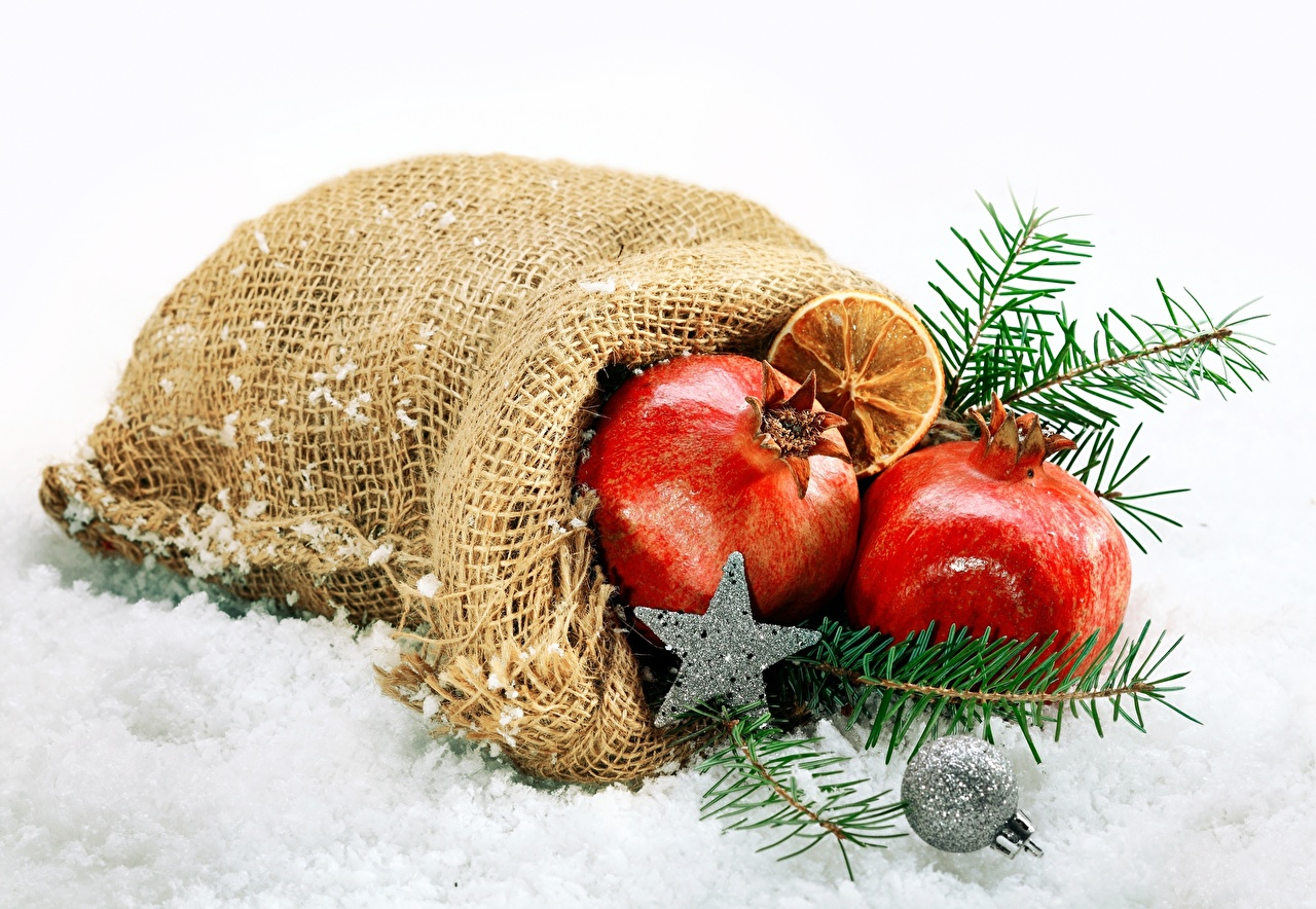 Фотография Рождество Звездочки снеге Гранат ветвь Новый год Снег снегу снега Ветки ветка на ветке