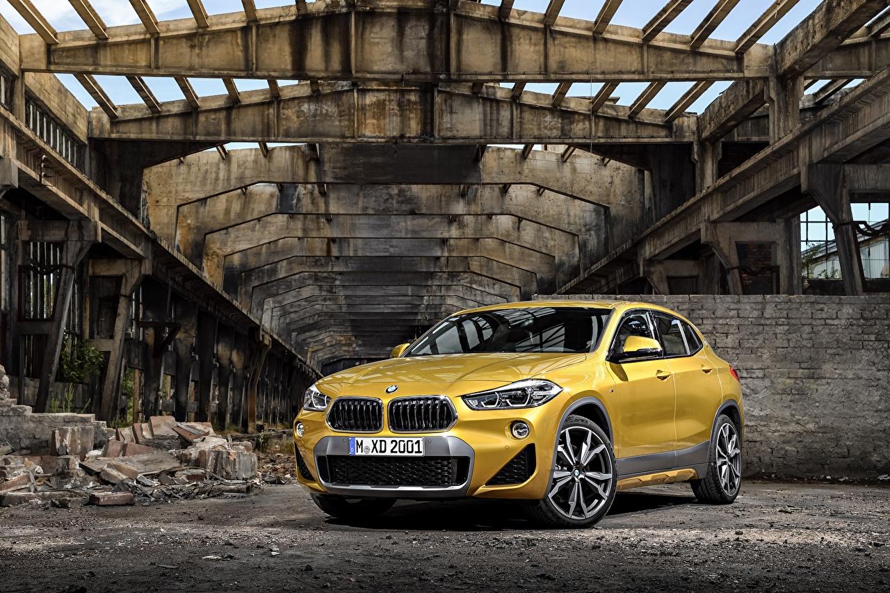 Обои BMW 2018 X2 xDrive20d M Sport X Worldwide желтые Металлик Автомобили БМВ желтых Желтый желтая авто машина машины автомобиль