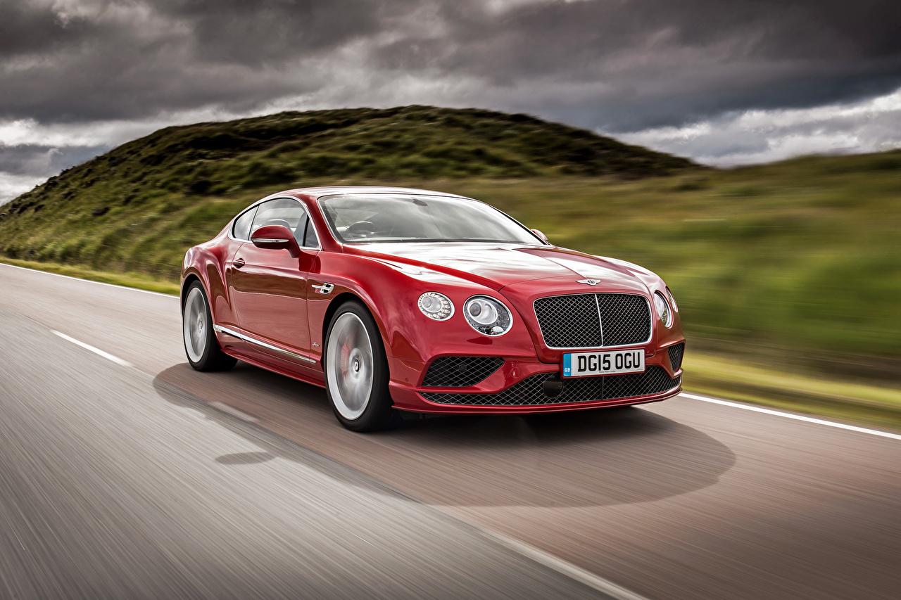 Картинка Бентли Continental 2015 Красный едущая Автомобили Bentley красная красные красных едет едущий скорость Движение авто машины машина автомобиль