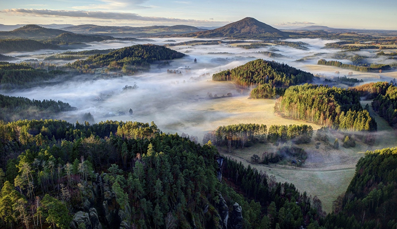 Фотографии Чехия Bohemian Switzerland National Park тумане Природа Леса парк холм Сверху Туман тумана лес Парки Холмы холмов