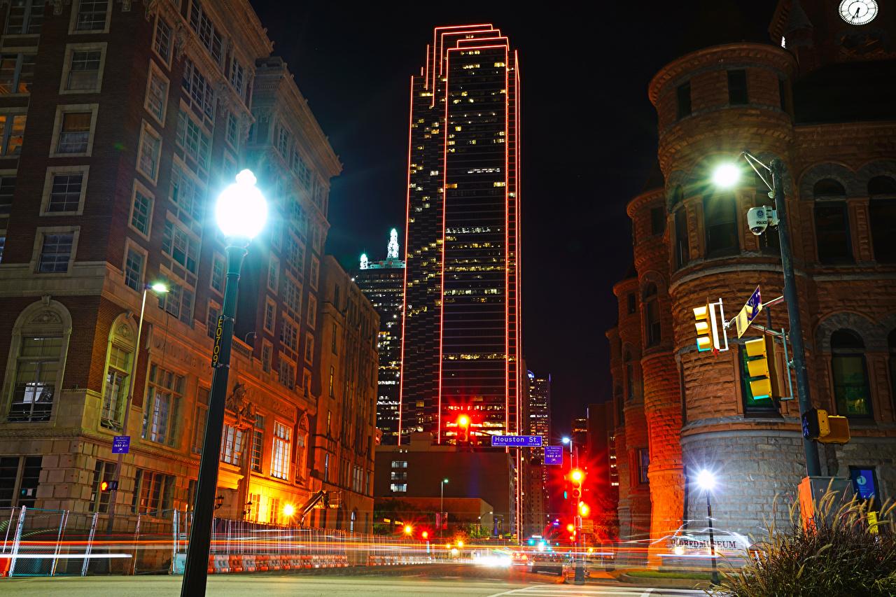 Фотография США Dallas Улица Ночь Уличные фонари Дома Города штаты америка улиц улице ночью в ночи Ночные город Здания