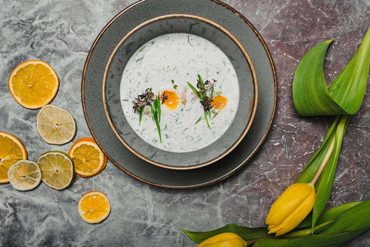 Фото тюльпан Цветы Лимоны Еда Супы Тарелка Тюльпаны цветок Пища тарелке Продукты питания