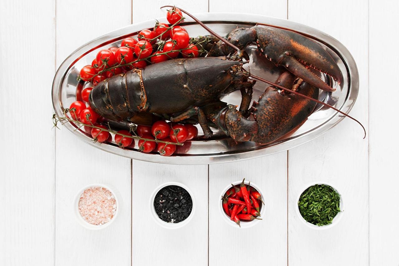 Фотография Омары Помидоры Еда Специи Морепродукты Доски Томаты Пища пряности приправы Продукты питания