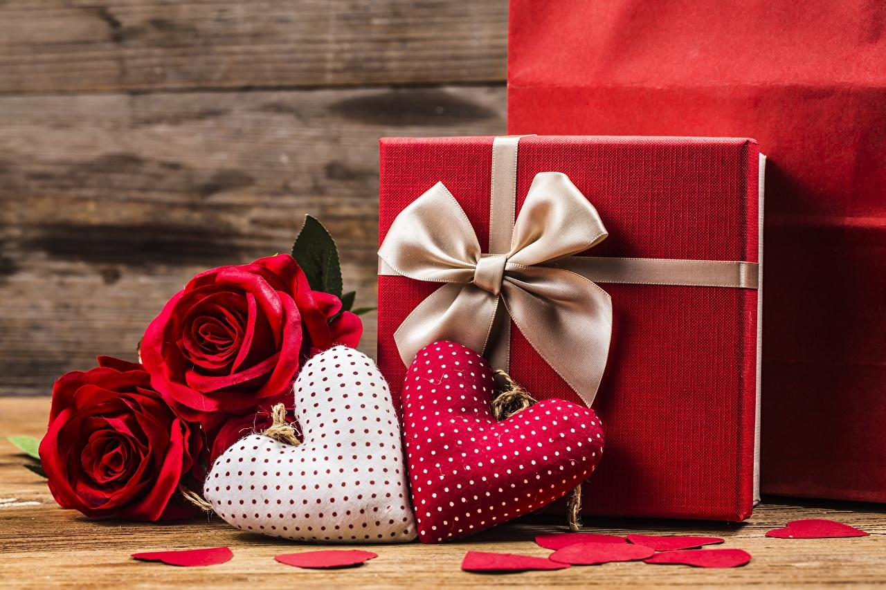 Фотография День всех влюблённых серце Подарки бантики День святого Валентина Сердце сердца сердечко подарок подарков бант Бантик