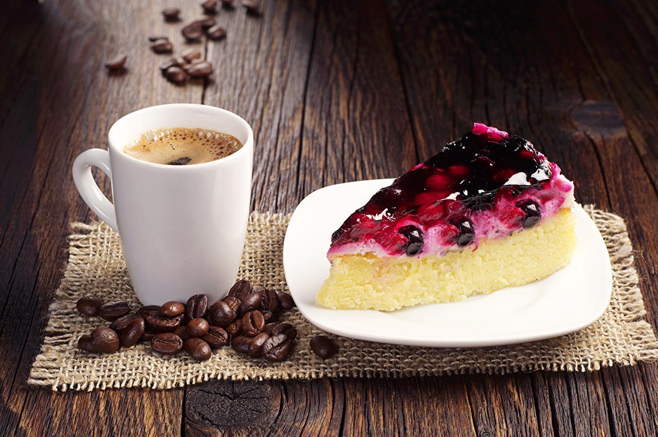 Фото Еда Пирог Кофе чашке тарелке часть Зерна Доски Пирожное Чизкейк Пища Продукты питания Чашка Тарелка зерно Кусок кусочки кусочек