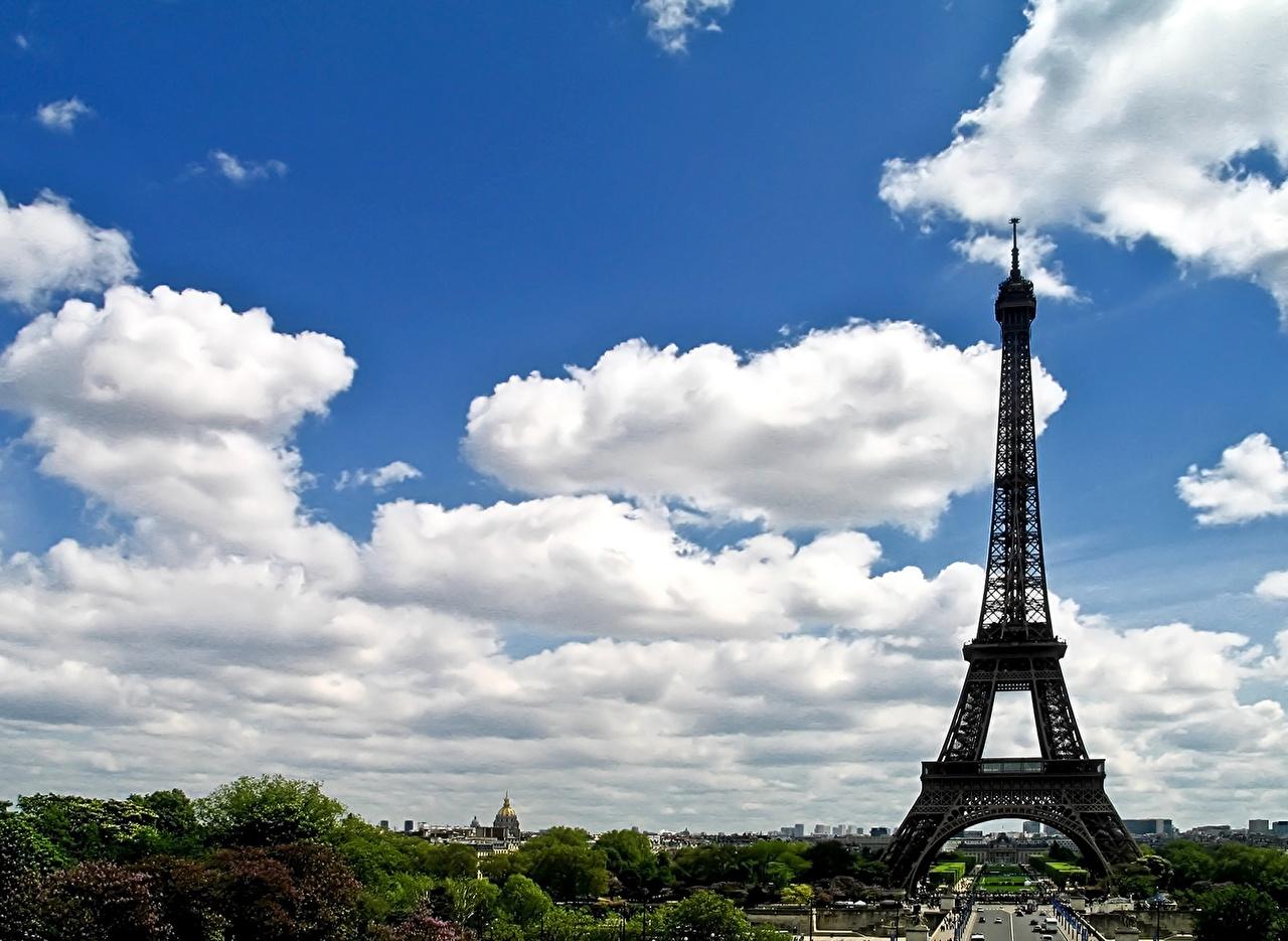 Фотографии Париж Эйфелева башня Франция Небо город Облака париже Города облако облачно