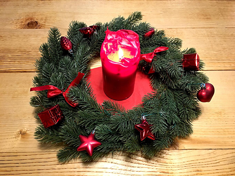 Фотографии Новый год Звездочки Свечи на ветке Доски дизайна Рождество Ветки ветка ветвь Дизайн
