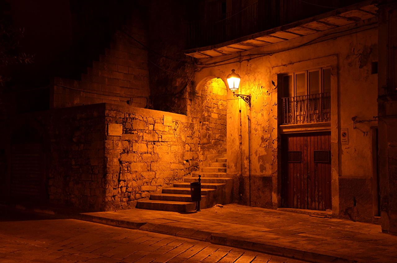 Италия, Дома, Сицилия Ragusa Ночь, Уличные фонари, Лестница Здания, Ночные,  Города