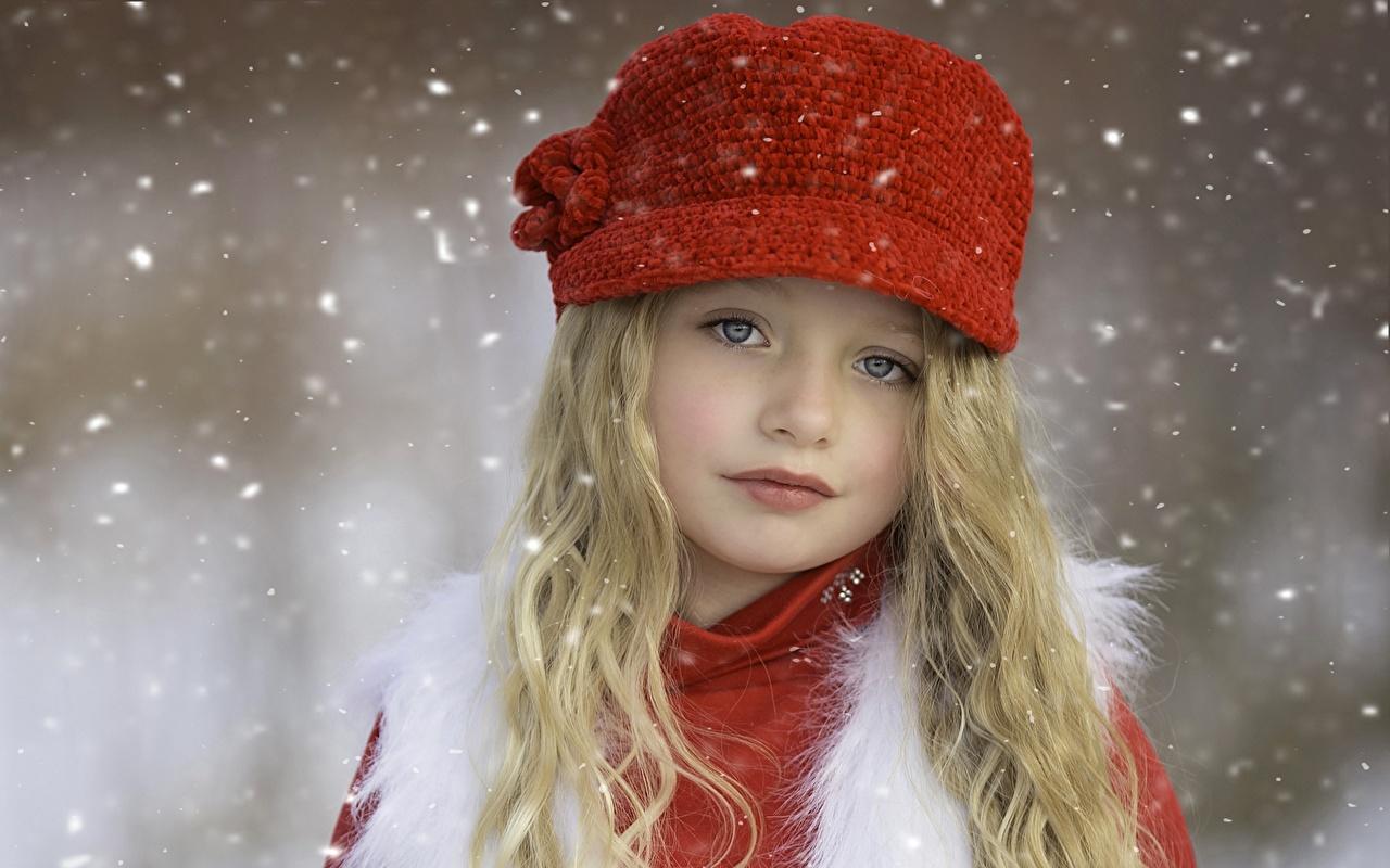 Картинка Девочки Блондинка Дети Лицо Шапки Ребёнок