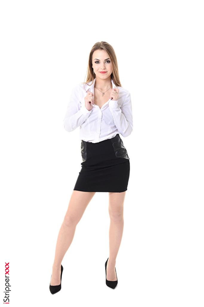 Фотография Randy Ayn Юбка русых секретарша iStripper девушка ног рука белом фоне Туфли  для мобильного телефона юбки юбке Русые русая Секретарши Девушки молодая женщина молодые женщины Ноги Руки Белый фон белым фоном туфель туфлях