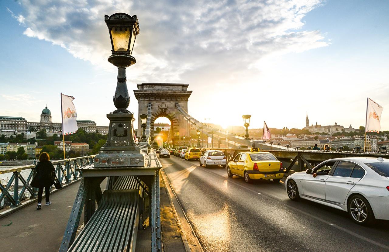 Фотографии Будапешт Венгрия Chain bridge мост Дороги Рассветы и закаты Уличные фонари город Мосты рассвет и закат Города