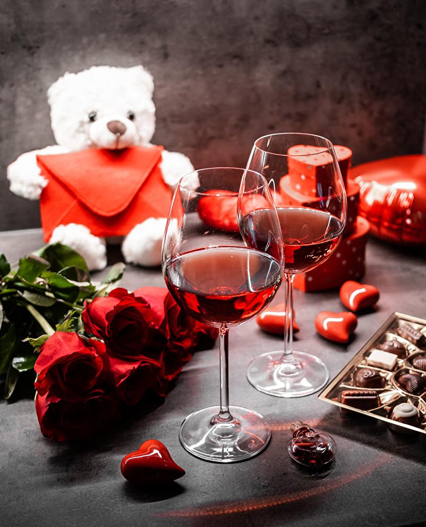 Фотография День всех влюблённых серце Букеты Розы Вино Конфеты Мишки цветок Бокалы  для мобильного телефона День святого Валентина Сердце сердца сердечко букет роза Цветы Плюшевый мишка бокал