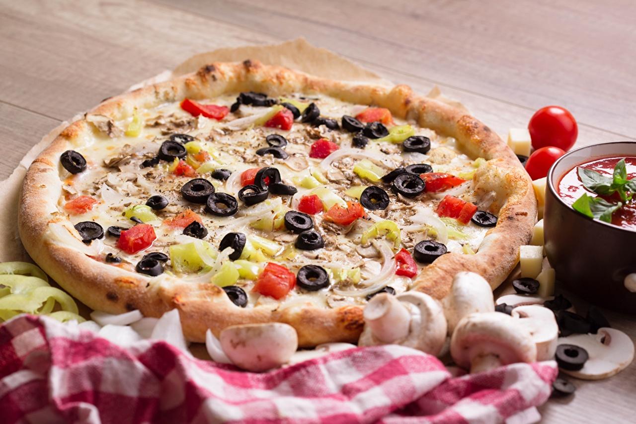 Картинки Пицца Томаты Оливки Грибы Фастфуд Пища Помидоры Быстрое питание Еда Продукты питания