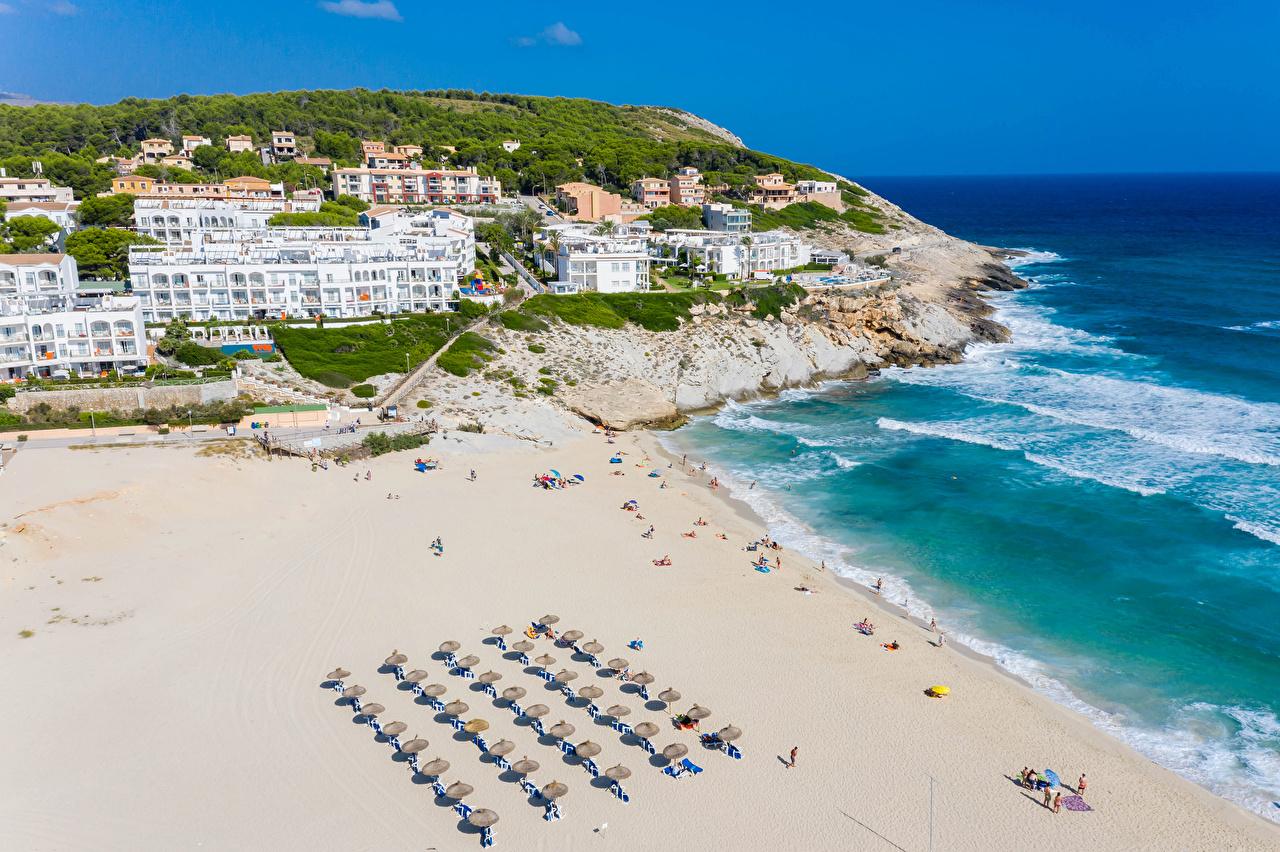 Обои для рабочего стола Мальорка Майорка Испания Курорты Cala Mesquida пляжа Дома город Пляж пляже пляжи Здания Города
