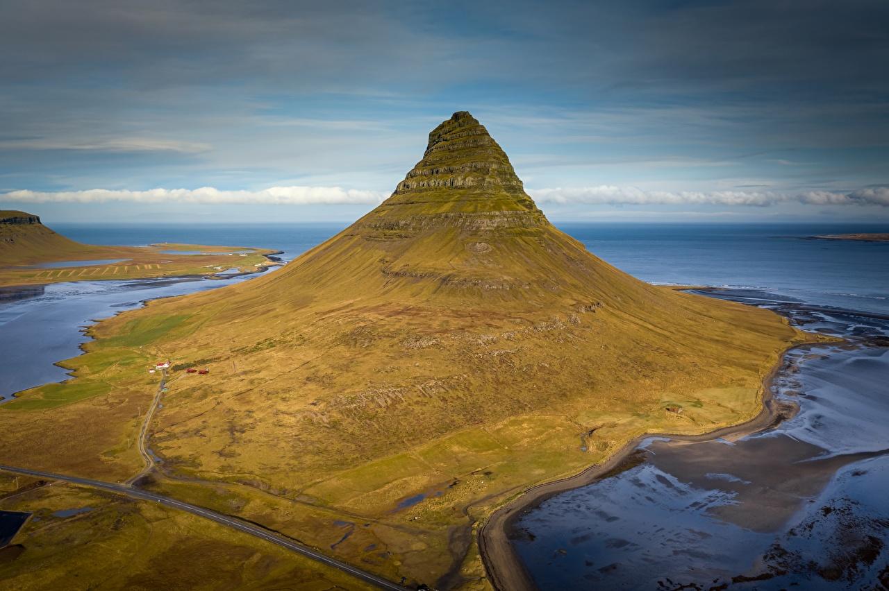 Картинки Исландия Kirkjufell гора Природа Сверху Горы