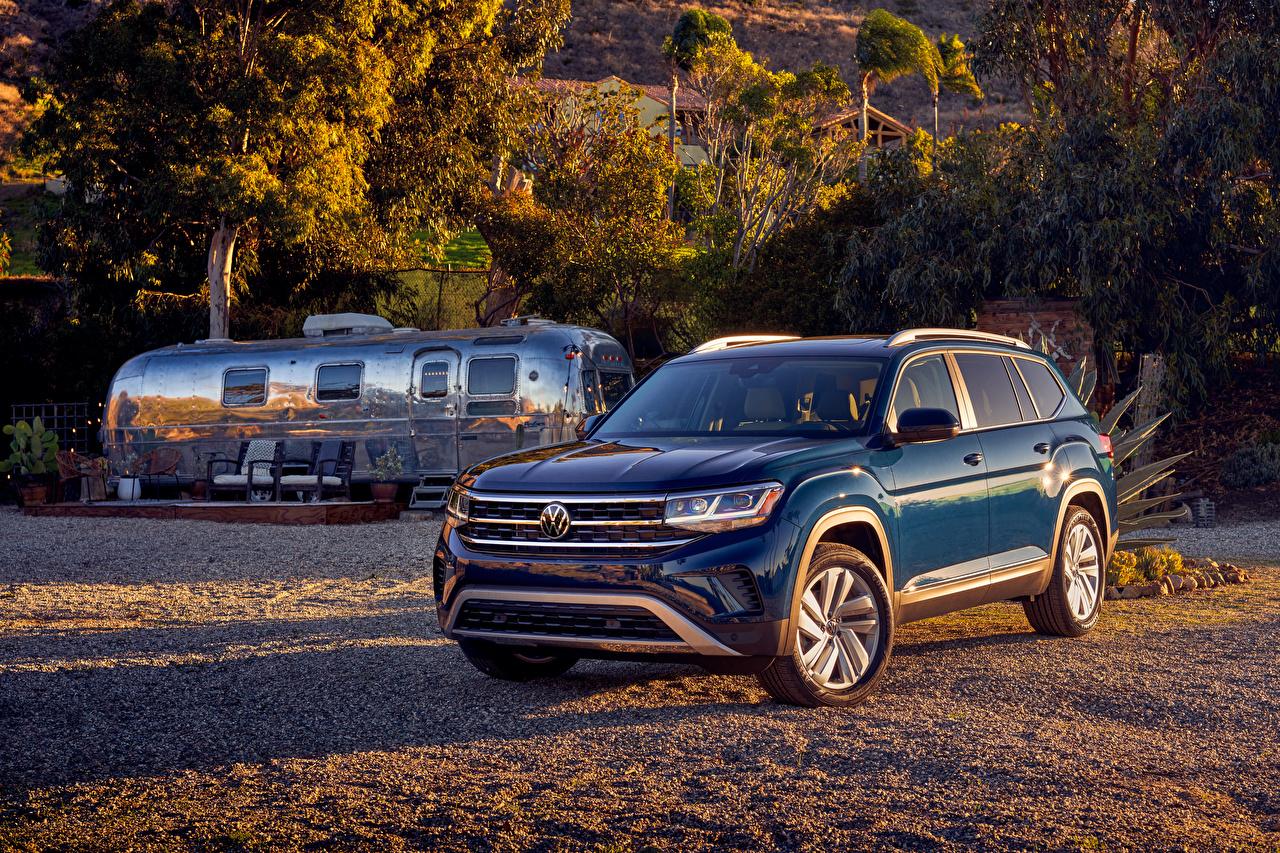 Картинка Volkswagen Кроссовер 2021 Atlas V6 синих авто Металлик Фольксваген CUV синяя синие Синий машина машины Автомобили автомобиль