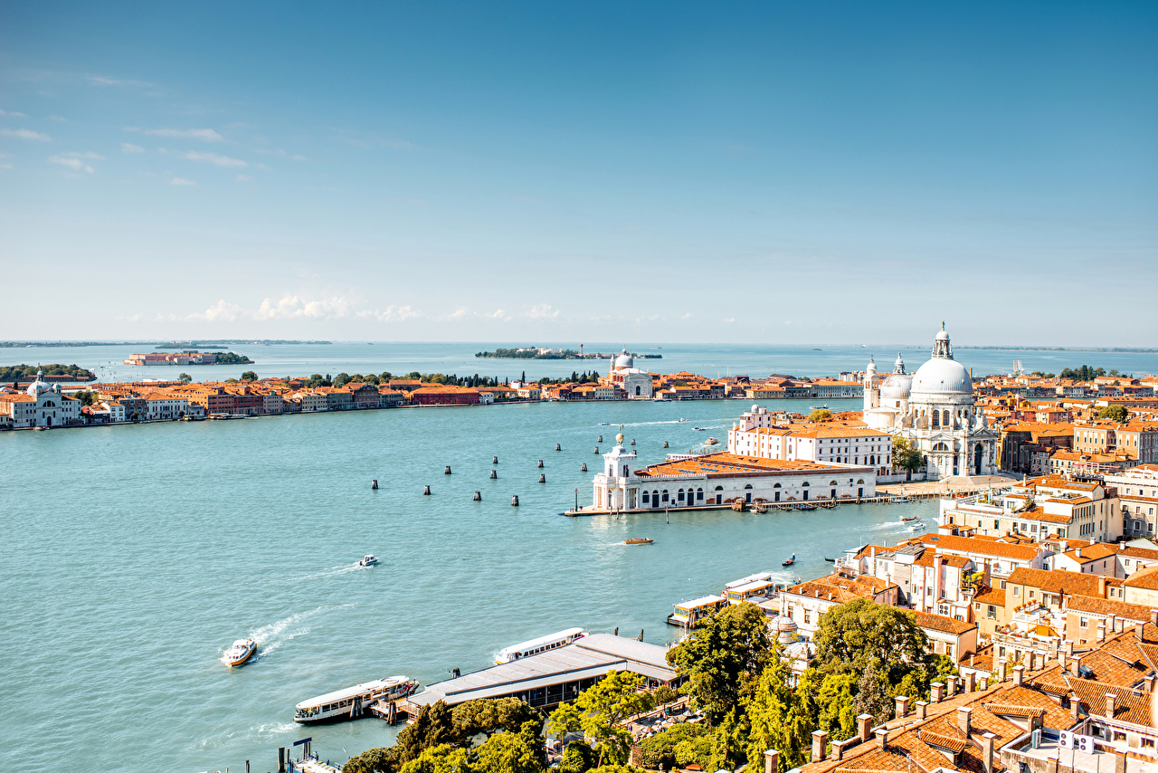 Картинки Венеция Италия Залив Пирсы Города Здания Причалы Пристань Дома