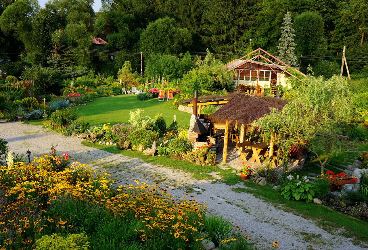 Фото Польша Myslakowice Природа Парки Газания Кусты Здания Деревья Дома