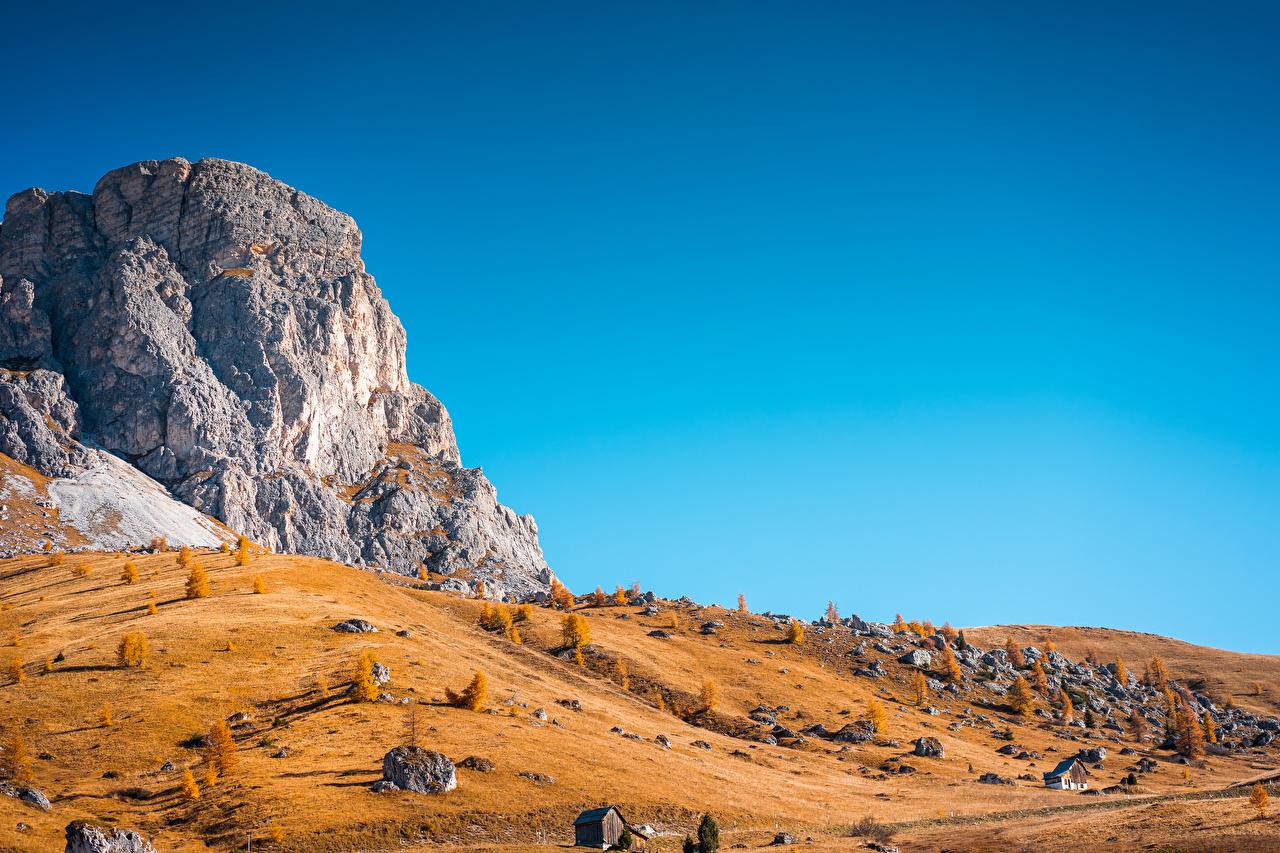 Обои для рабочего стола Чинкве-Терре парк Италия Утес гора осенние Природа парк Горы Осень Скала скале скалы Парки