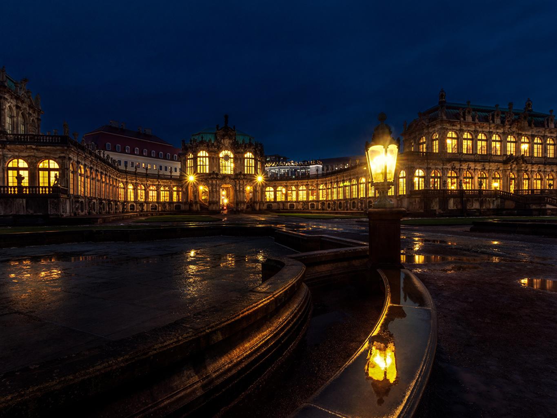 Фотографии Дрезден Германия Semperoper отражается ночью Уличные фонари город Здания Дизайн Отражение отражении Ночь в ночи Ночные Дома Города дизайна