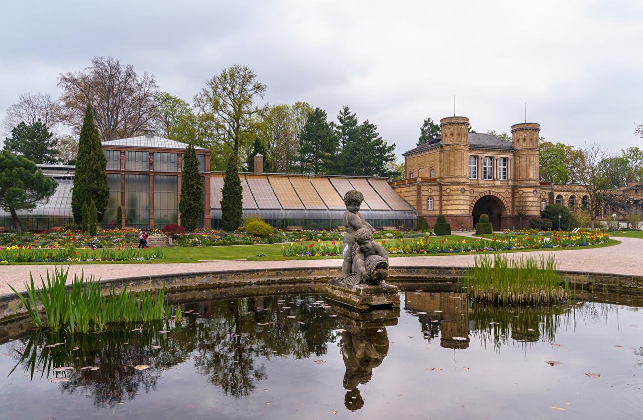 Обои Германия Фонтаны Botanischer Garten Karlsruhe Природа Сады Здания Скульптуры Дома