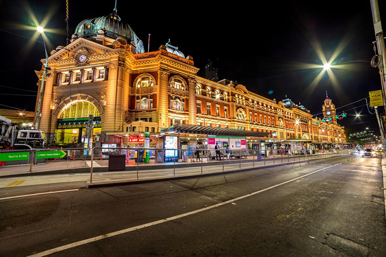 Фото Мельбурн Австралия Улица Дороги ночью Дома Города улиц улице Ночь в ночи Ночные город Здания