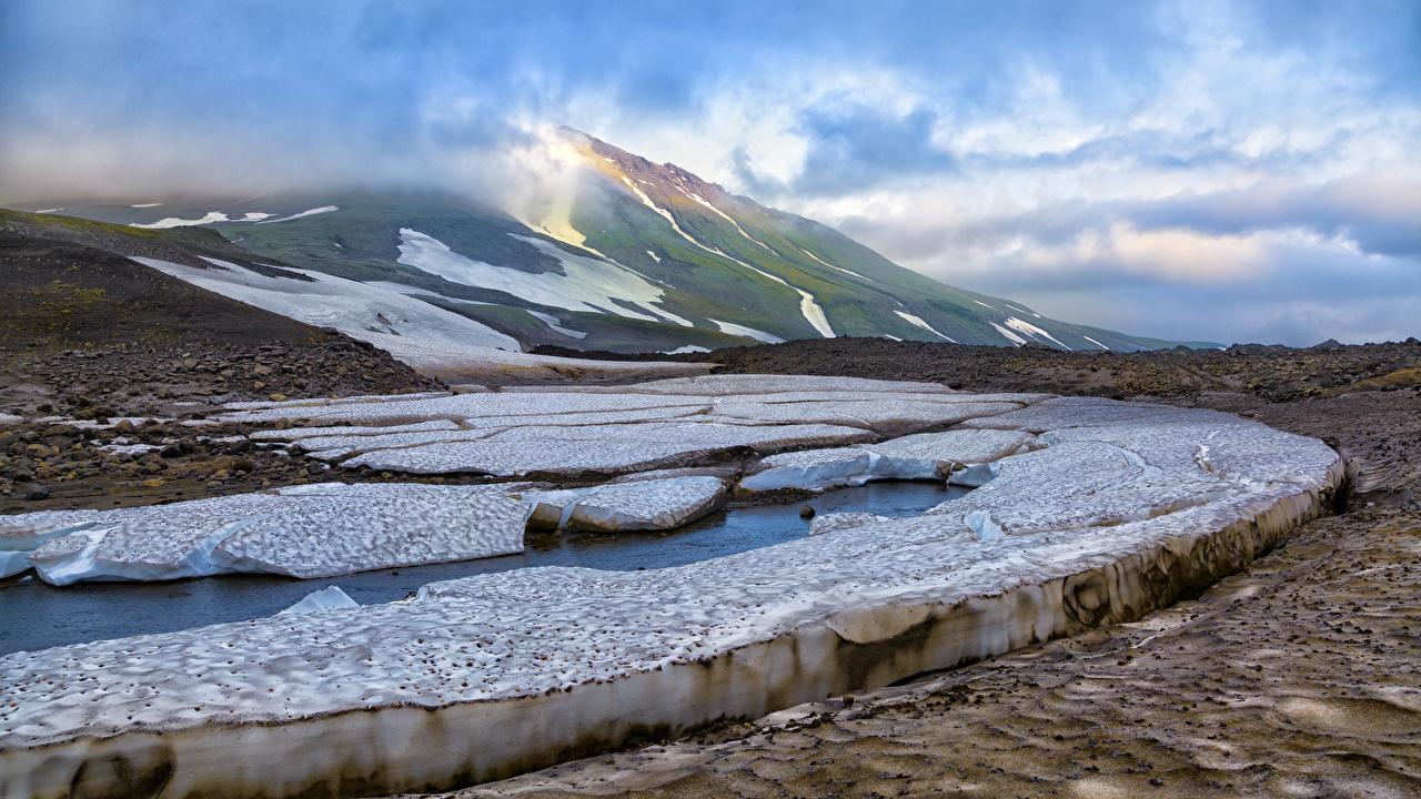Картинка Камчатка Россия Лед Горы Города льда гора город