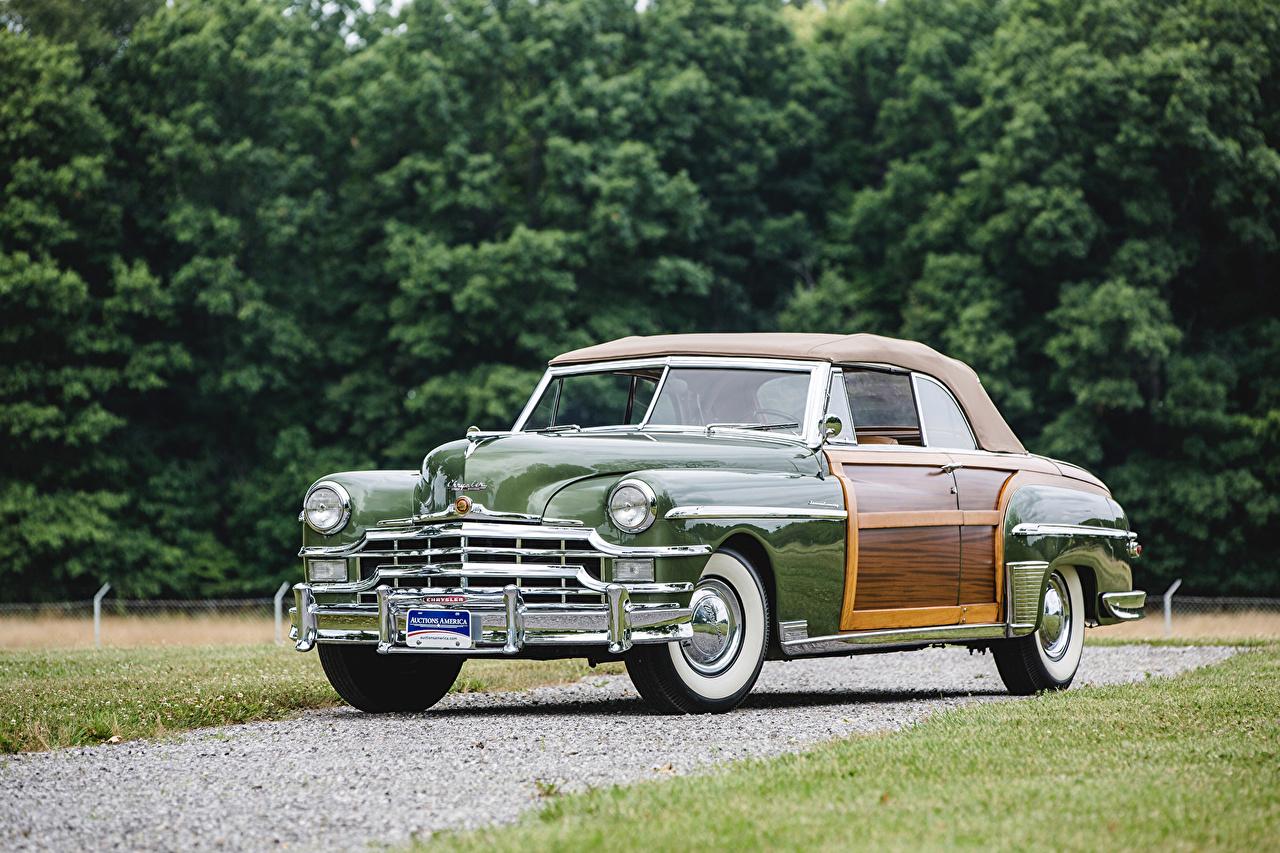 Фотографии Крайслер 1949 Town Ретро зеленая машины Металлик Chrysler Винтаж зеленых зеленые Зеленый старинные авто машина автомобиль Автомобили