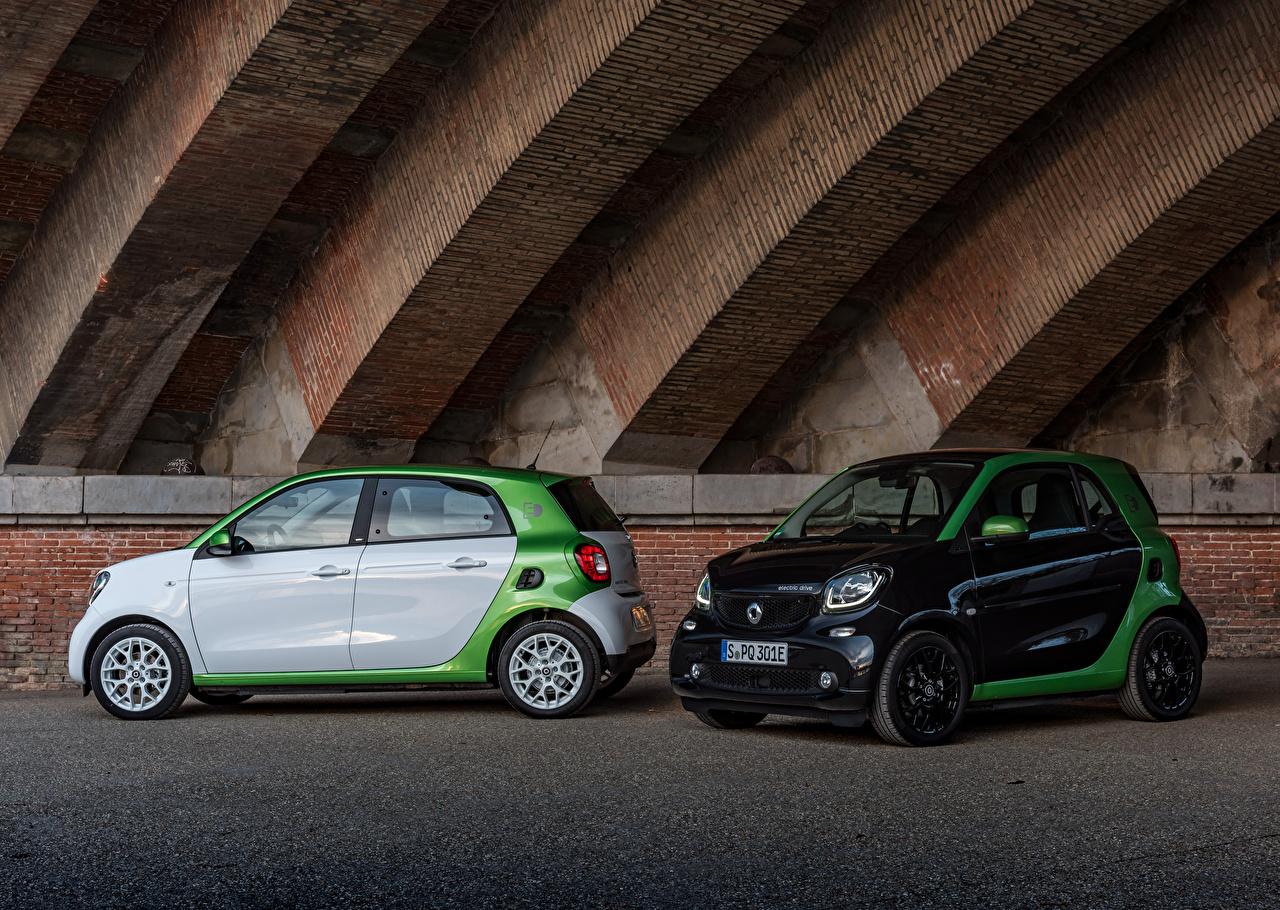 Картинки Смарт 2017 forfour prime electric drive Worldwide Двое Металлик Автомобили Smart 2 два две вдвоем авто машины машина автомобиль