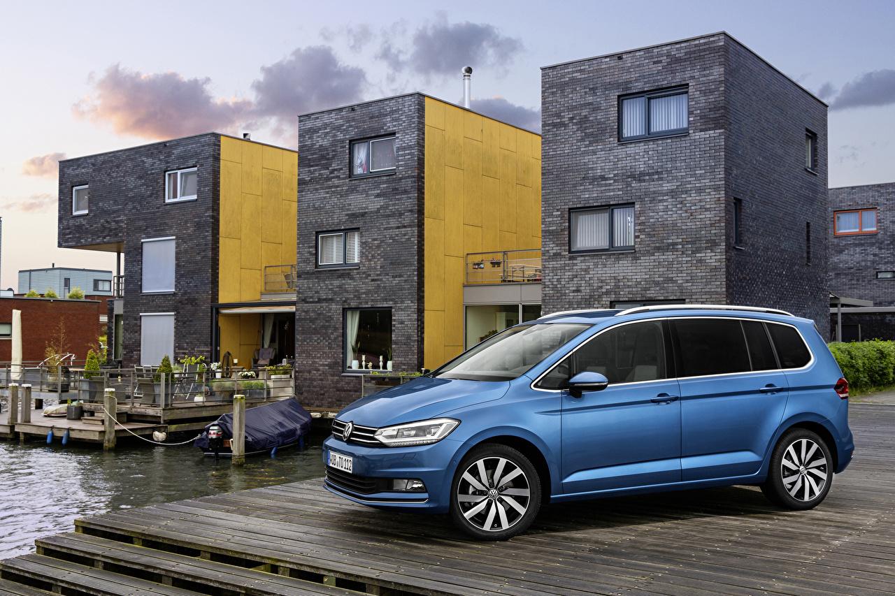 Фотографии Volkswagen Touran 2015 голубых Сбоку автомобиль Фольксваген голубая голубые Голубой авто машины машина Автомобили