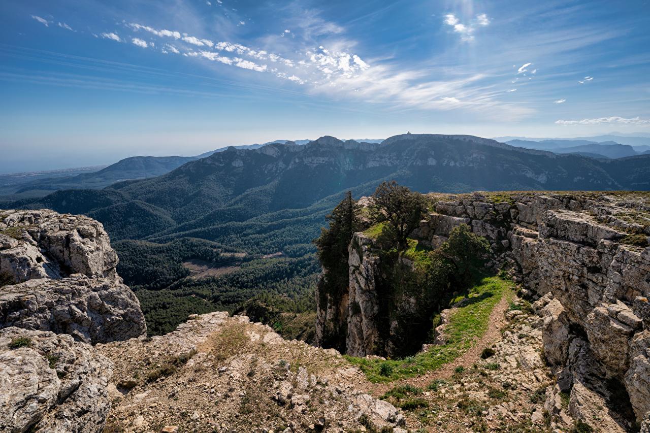 Фотография Испания Catalonia гора Утес Природа Небо Горы Скала скале скалы