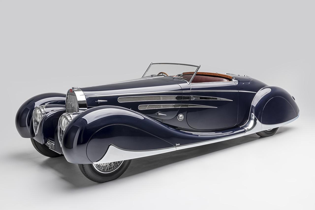 Фотографии BUGATTI 1939 Type 57C Cabriolet by Vanvooren кабриолета Ретро синяя автомобиль сером фоне Кабриолет Синий синие синих винтаж старинные авто машины машина Автомобили Серый фон