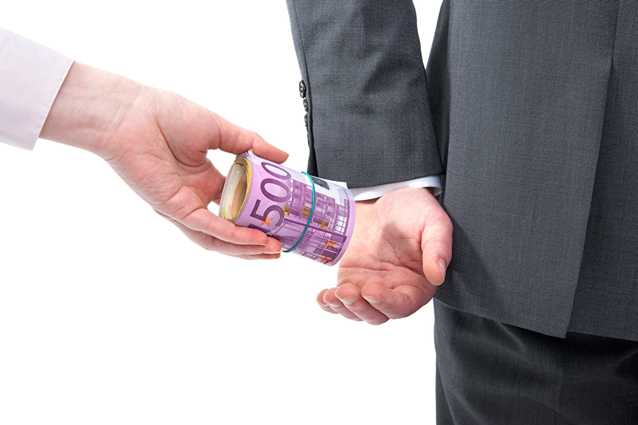Фотографии Евро Банкноты bribery power business 500 Природа Руки Деньги Купюры рука