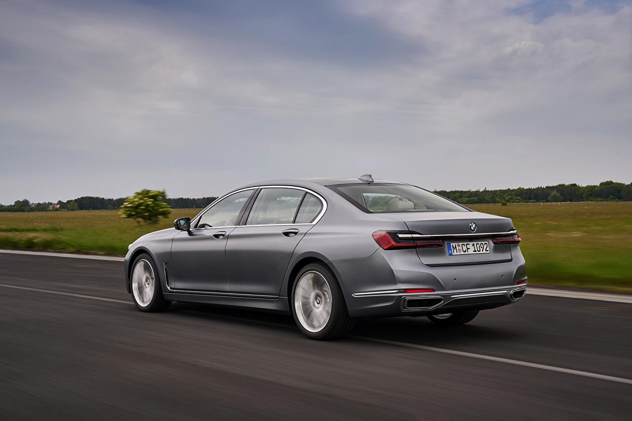 Картинки BMW 7 series, G11/G12 Седан Серый Дороги скорость Металлик Автомобили БМВ серые серая едет едущий едущая Движение авто машина машины автомобиль