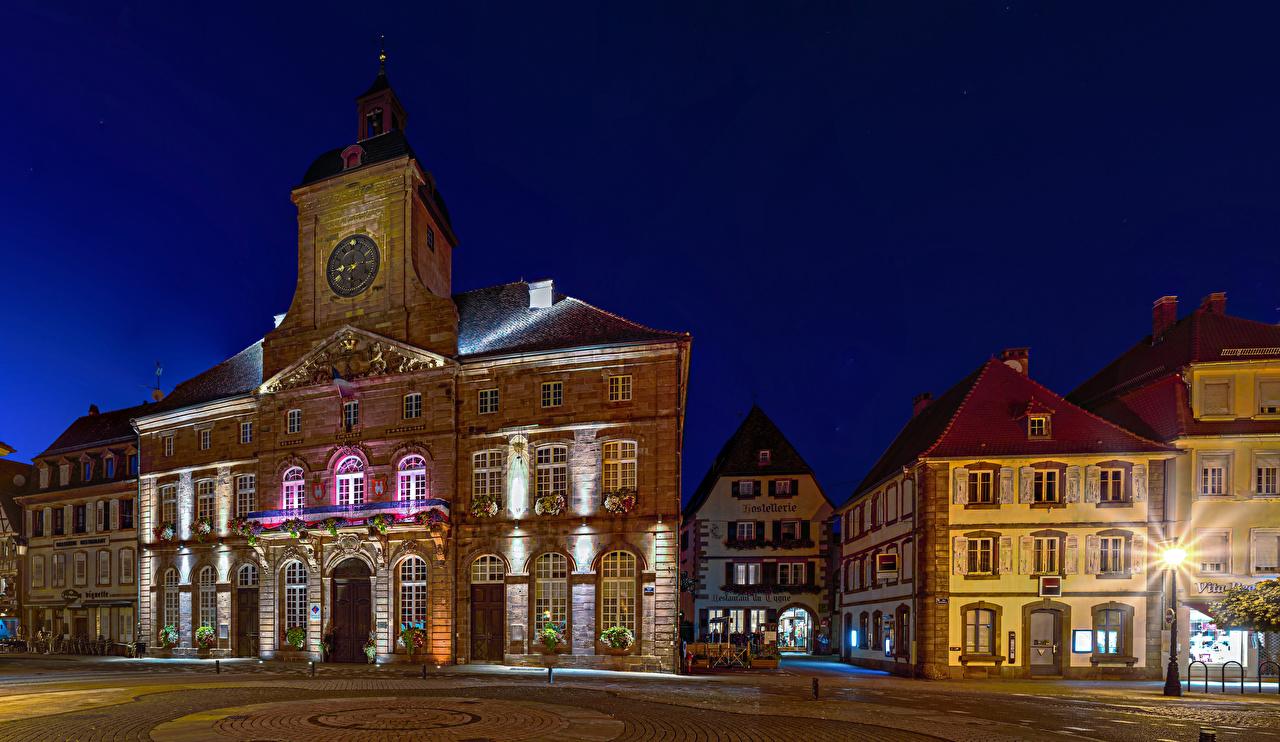 Фото Франция Weissenburg Alsace Улица Ночь Уличные фонари Дома Города улиц улице ночью в ночи Ночные Здания